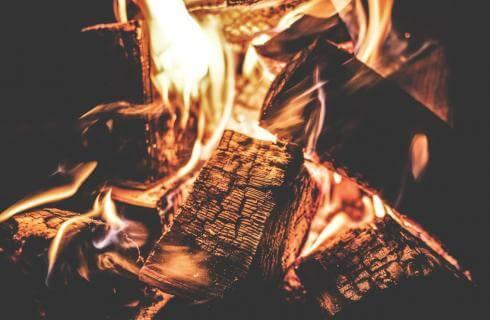 θέρμανση με ξύλα και καυσοξυλα