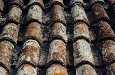 Κεραμοσκεπές στέγες με κεραμείδια greenbuilding