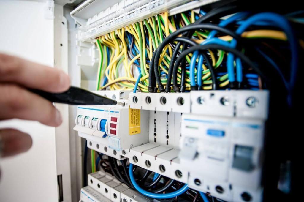 Ανακαινίζοντας τα ηλεκτρολογικά + 6 tips