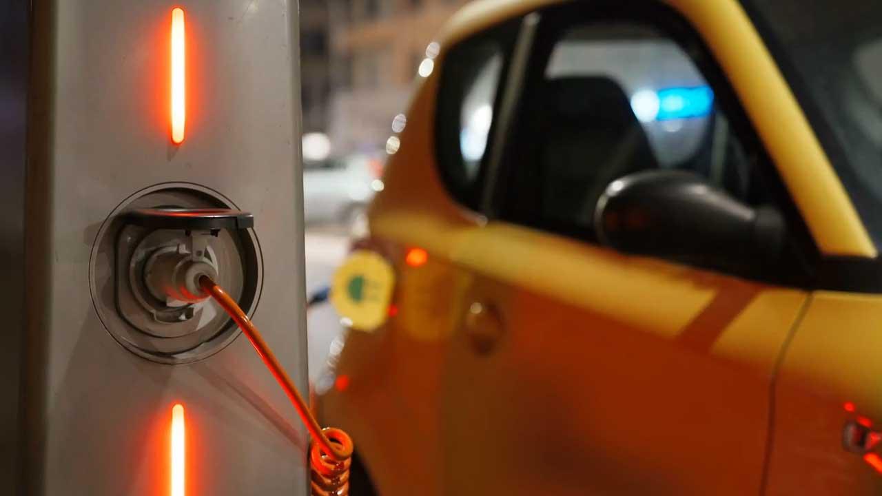 ηλεκτρική ενέργεια για φόρτιση αυτοκινήτου